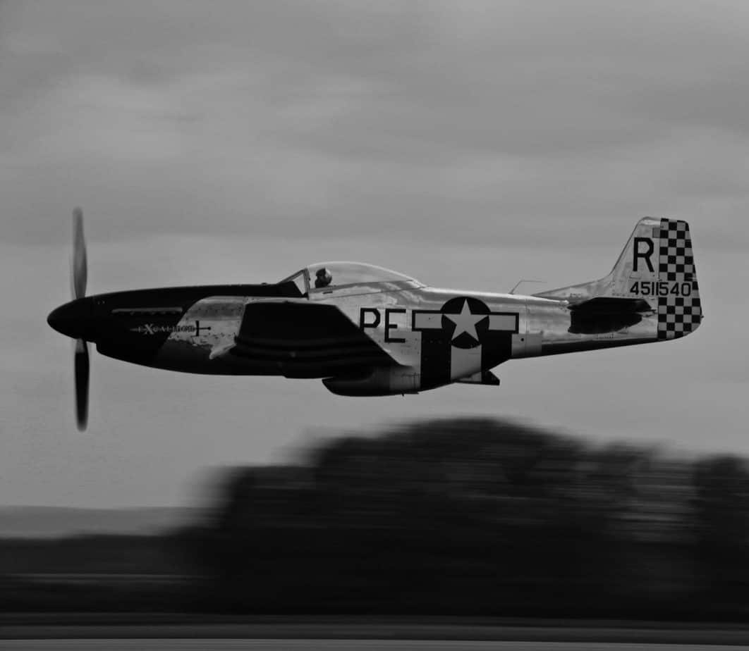 Black and white photo of a world war 2 airplane